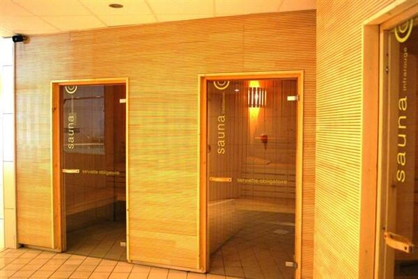 Saunas and hammams (steam rooms)